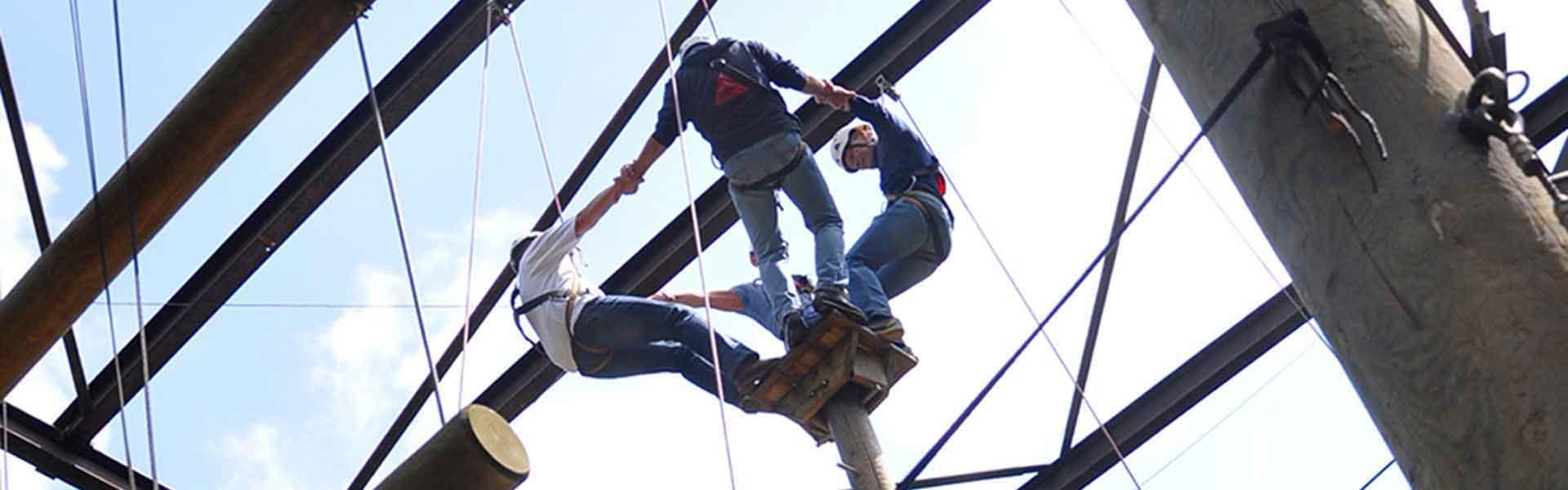 High Ropes Course   Bedrijfsuitjes in Twente