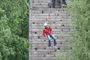 klimwand abseilen tokkelen | bedrijfsuitjes in twente s
